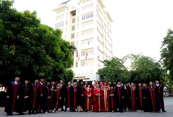 Lễ tốt nghiệp Khóa 15 Thạc sĩ Luật hợp tác kinh tế và kinh doanh quốc tế, năm học 2016 -2017