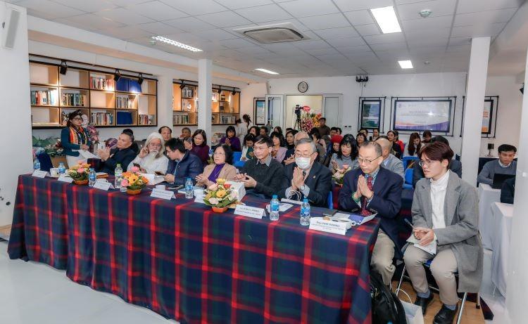 Buổi tọa đàm quy tụ các khách mời là các nhà nghiên cứu, các chuyên gia và đông đảo người quan tâm và làm việc trong lĩnh vực dịch thuật