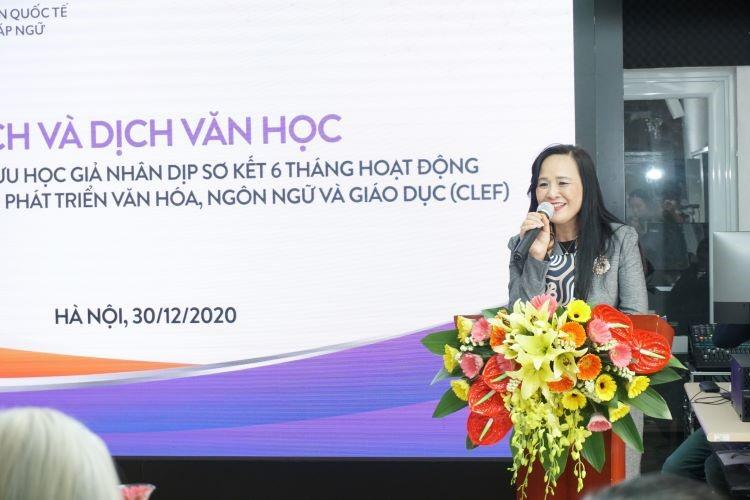 Bà Ngô Minh Thủy - Viện trưởng CLEF phát biểu tại buổi tọa đàm Dịch và Dịch văn học