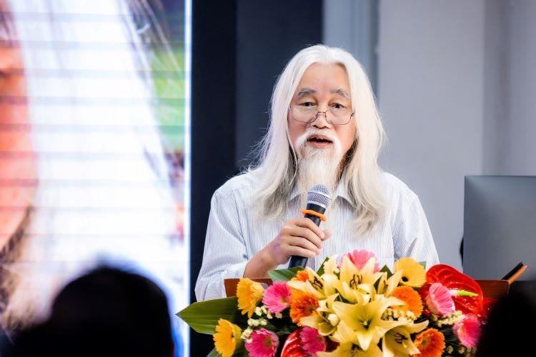 Diễn giả Phạm Xuân Nguyên tại buổi tọa đàm