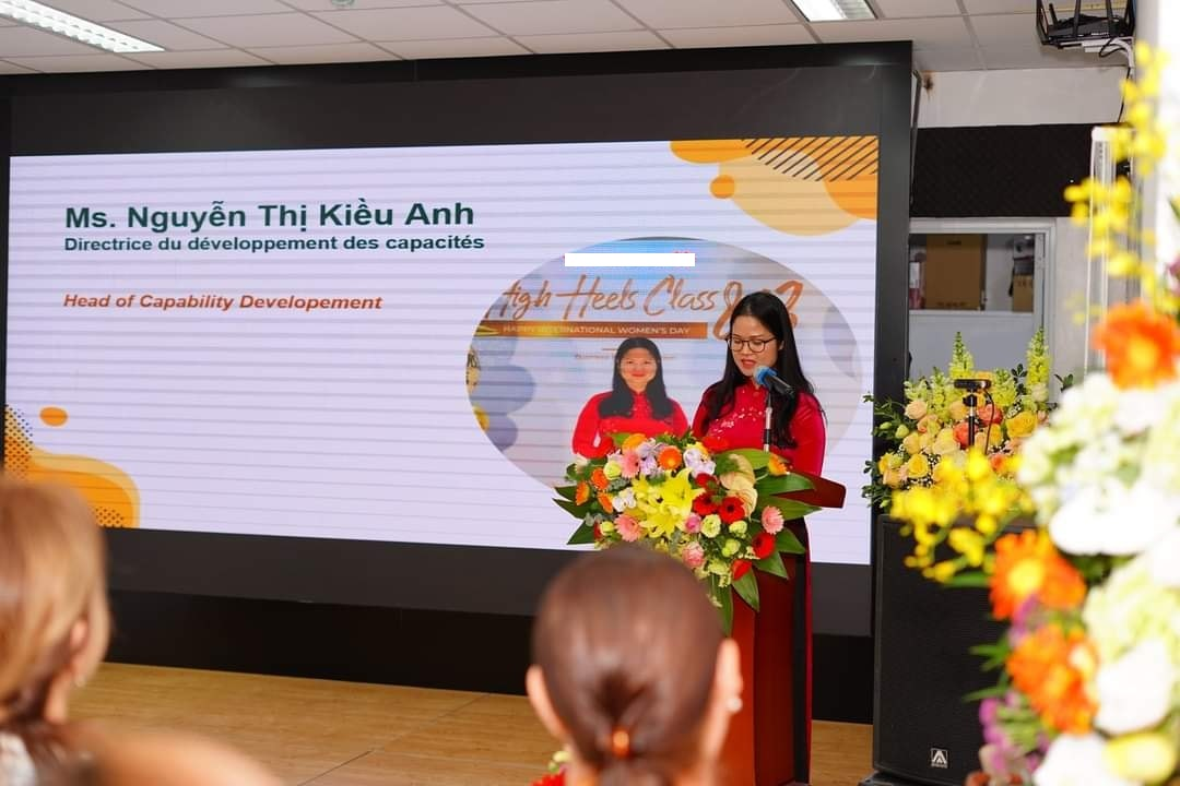 Ms. Nguyen Thi Kieu Anh, representative of Fintech Master's program, who is currently the Director of Capacity Development and Productivity Improvement of a major bank in Vietnam